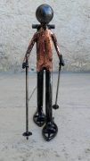 sculpture personnages marcheur raquette neige randonnee : marcheur raquette