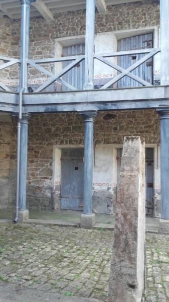 PHOTO Poteau d'exécut Prison Ancienne Guingamp Architecture  - Le poteau d'exécutions...