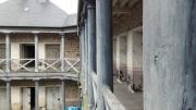photo architecture prison portes cellules ancien : Rien que des cellules...