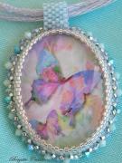 bijoux animaux pendentif serti peyo pendentif papillon tissage peyote : LE PAPILLON PASTEL