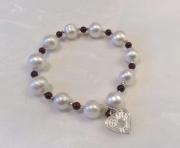 bijoux autres bracelet perle d eau dou grenat boules d argent : BRACELET PERLES D'EAU DOUCE BLANCHES, GRENAT ET BOULES D