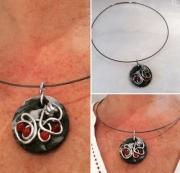 bijoux autres pendentif ceramique froide cornaline fil aluminium : PENDENTIF