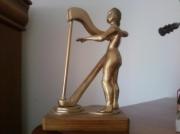 sculpture personnages sculpture la belle ,a la harpe : la belle a la harpe
