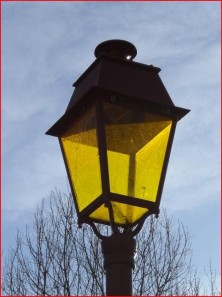 PHOTO lanterne volume Villes  - lanterne éteinte