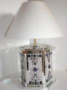 """artisanat dart lampe facettes miroir mosaique : lampe à poser en mosaïque """"Facettes"""""""