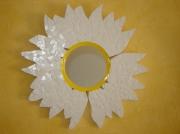artisanat dart fleurs mosaique fleur carrelage miroir : Miroir marguerite en mosaique de carrelage
