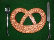 artisanat dart autres dessous plat mosaique bretzel emaux : dessous de plat BRETZEL en mosaïque ou simple déco