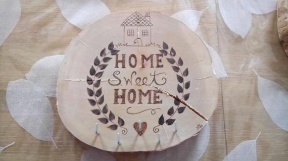"BOIS, MARQUETERIE couronne feuille accueil porte clefs  - couronne ""home sweet home"""